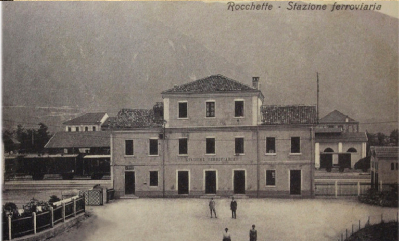 Foto d'epoca di Rocchette – fonte incerta