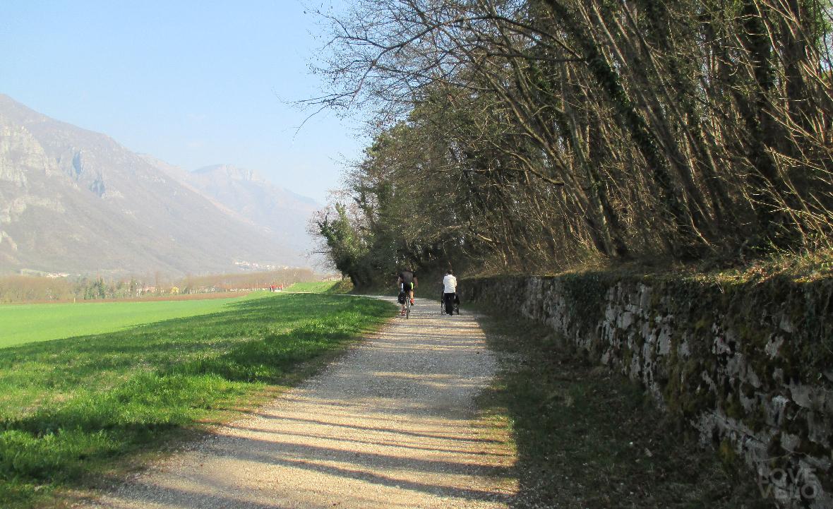 Camminando in direzione Velo d'Astico