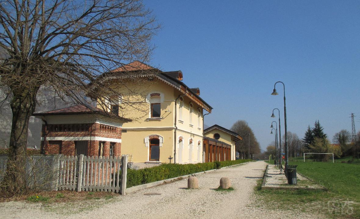 La vecchia stazione di Seghe, ora Granpasso